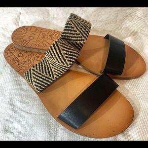DV Dolce Vita Double Strap sandal Sz 10